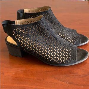 Open toe sling back sandals 9 wide